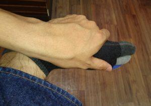 短拇趾屈筋の触り方